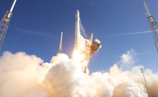 SpaceX: Private funded space travel takes off
