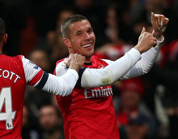 Poldolski nodded in on the line to give Arsenal a short lived 3rd lead.