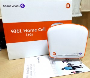 M1's Femtocell is a simple device made by Alcatel-Lucent.